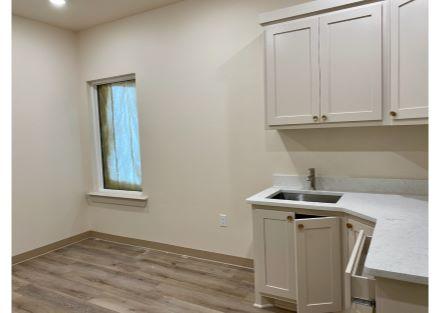 5607 114th - Suite 100