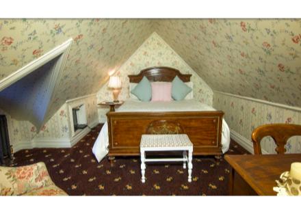 Hideaway Room