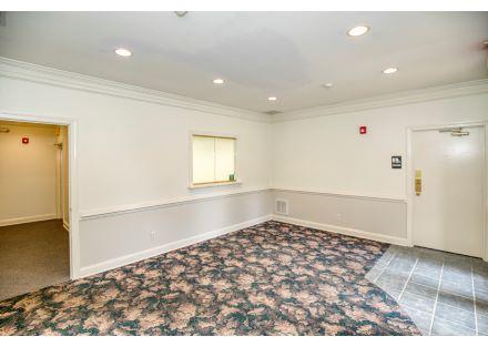 Waiting Room - Suite B