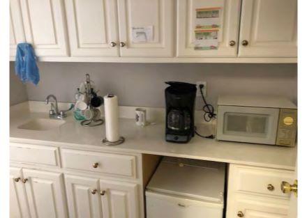 Kitchenette / Break Room