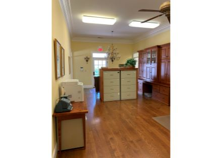 7 - Entry & Showroom