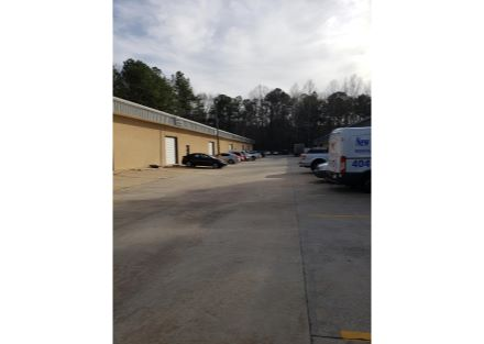 4847 Industrial Access parking area
