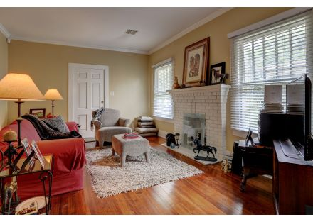 1015  Lee Ave-25