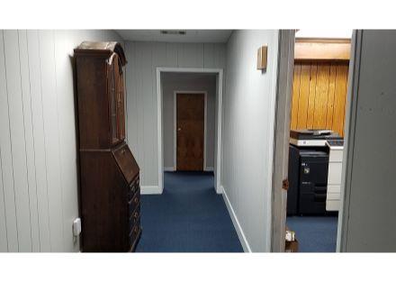 21 N Harvin hallway