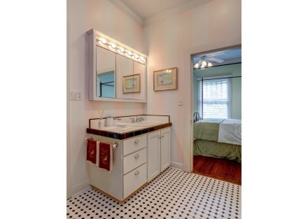 1015 Lee Ave-36