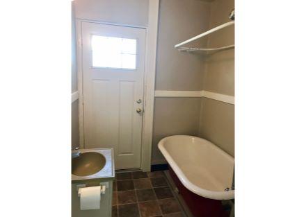 1st Floor Apartment Private Bath