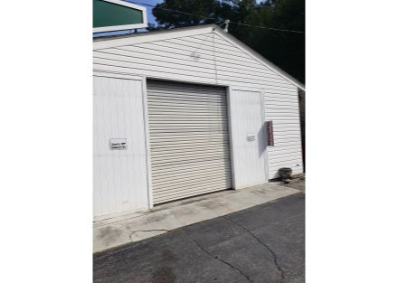 8480 Senoia Rd garage exterior